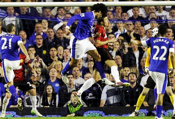 fellaini-header-v-man-utd