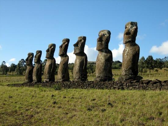 EI Statues
