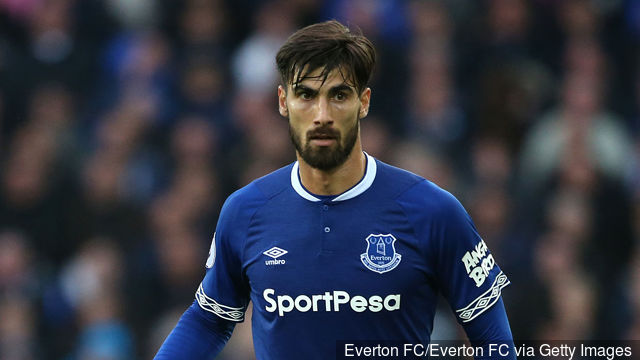andre_gomes_of_everton_runs_with_the_ball_during_the_premier_lea_949108